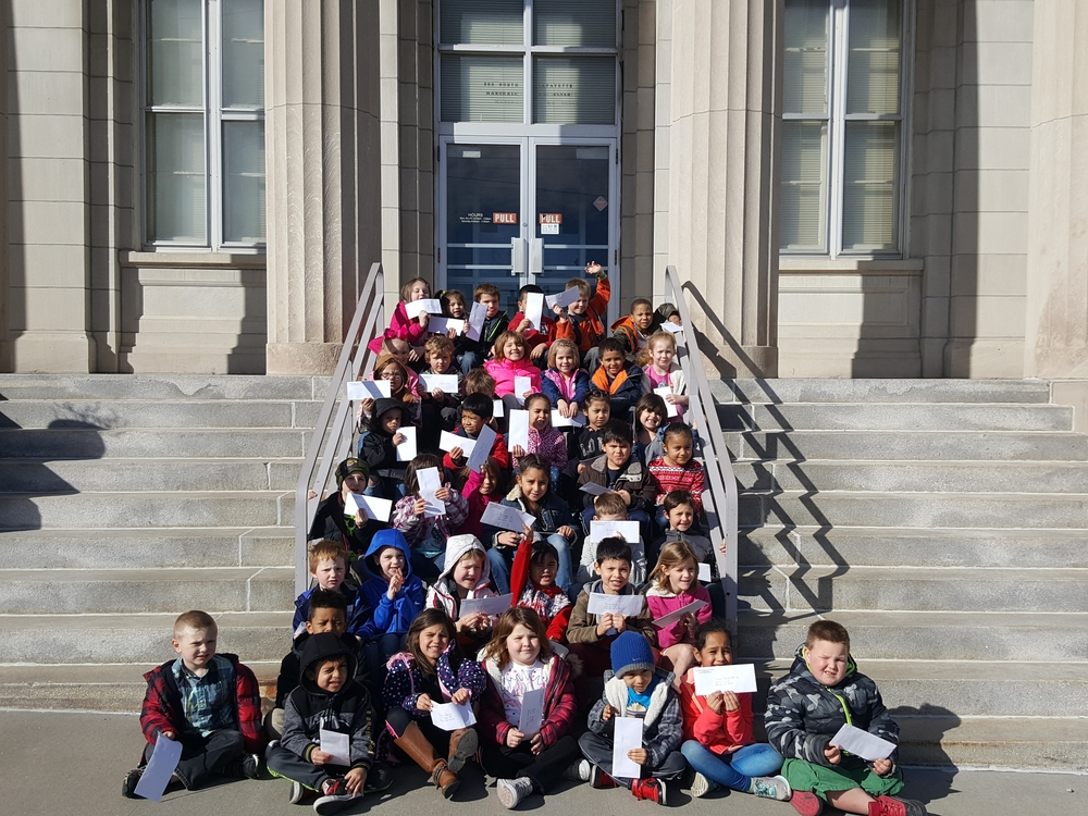 Eastwood Kinders  visit the Post Office